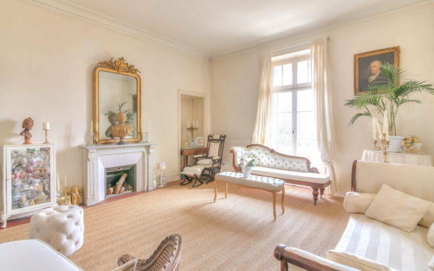 Superbe 3 pièces bourgeois avec terrasse et vue mer – Menton Madone