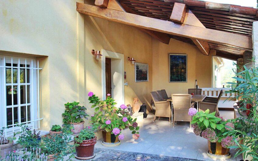 Belle propriété proche du village – Fayence