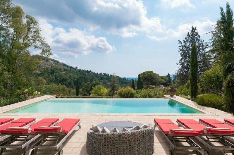 Charming stone villa with nice view towards hills and sea – Grasse