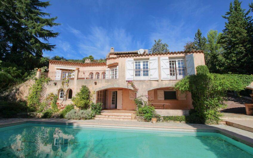 Belle villa au calme avec charme – Montauroux