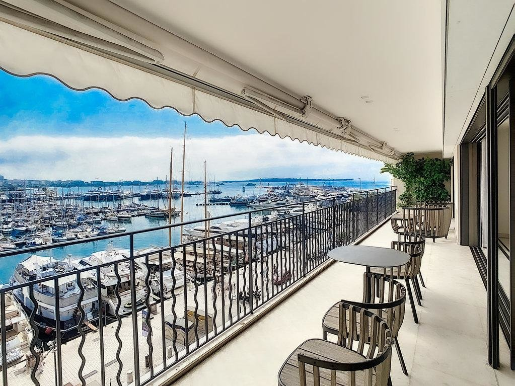 apartment for sale in cannes with port view terrace