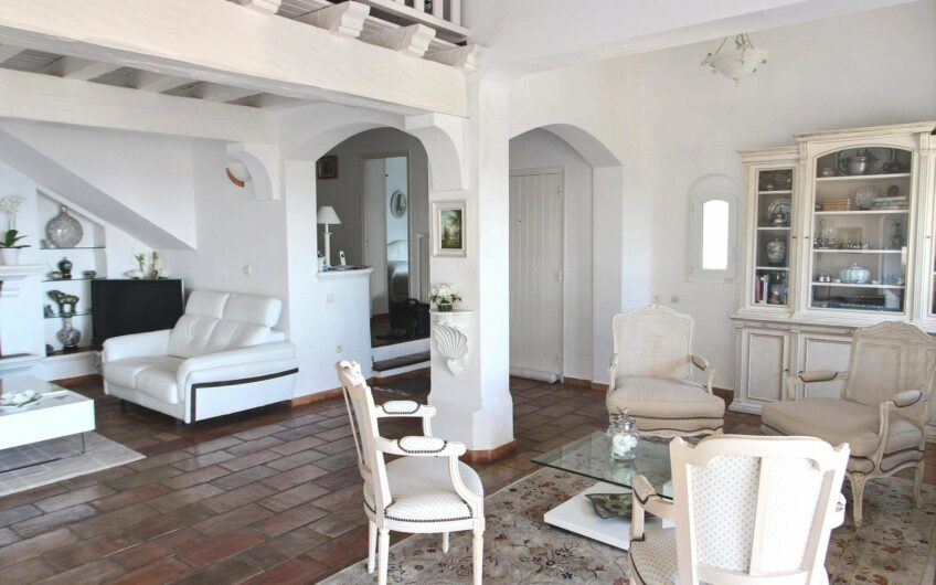 Superb villa with panoramic sea view 5 rooms – Les Issambres