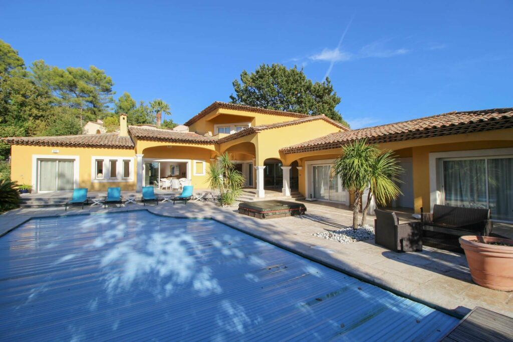 villa for sale in the south of france