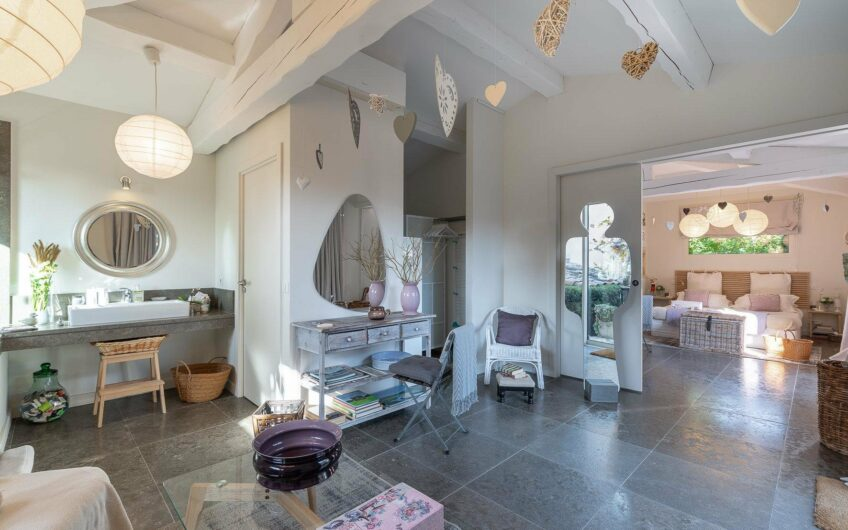 Stunning villa with sea view – Mougins
