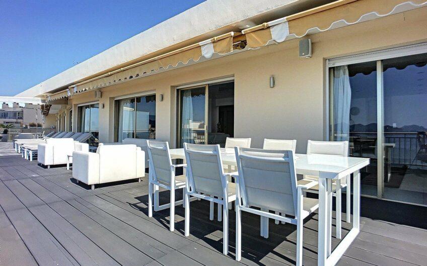 Superbe appartement dernier étage vue mer
