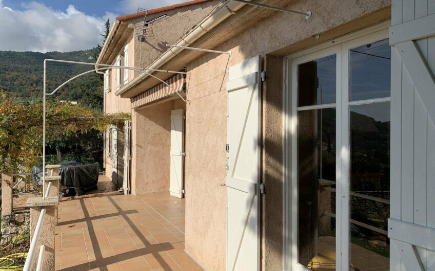Villa with pool at walking distance – Seillans