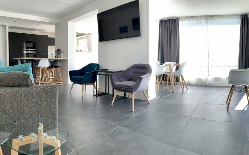 2 bedroom apartment with terrace – Cannes Pointe Croisette
