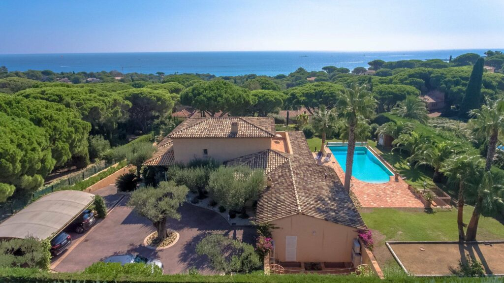 large holiday villa with a pool for sale in south france