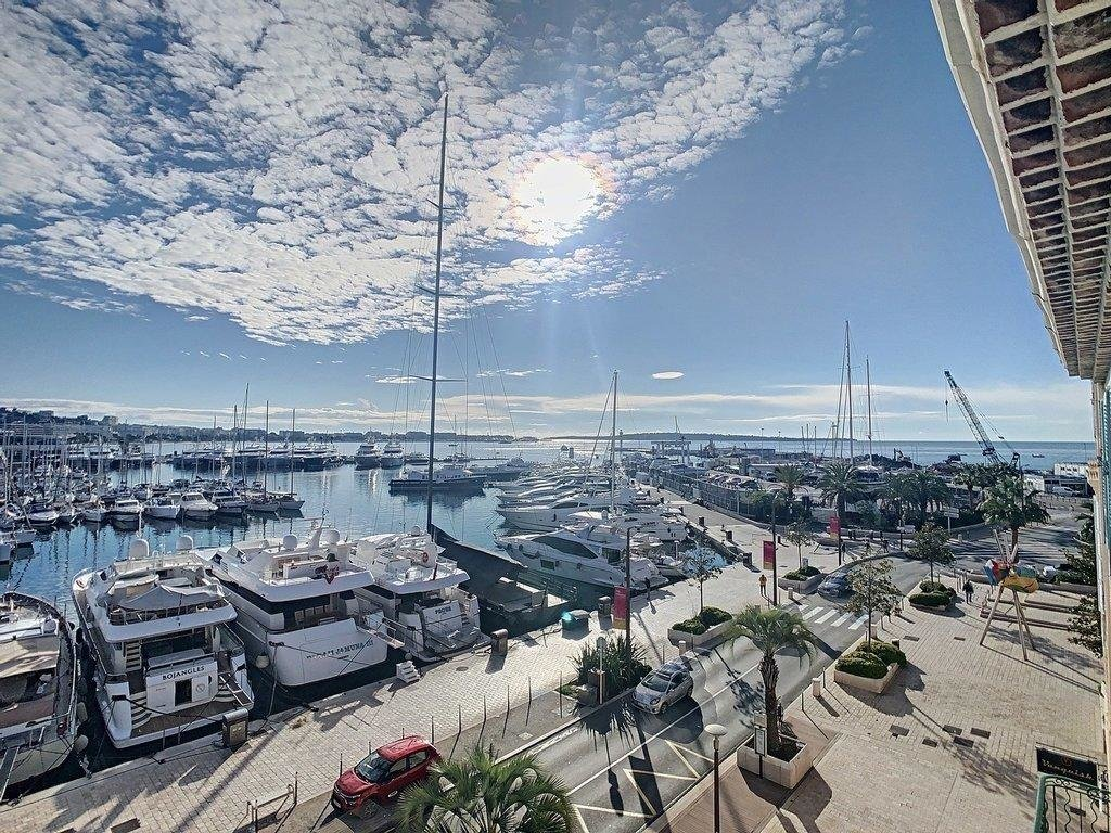 apartment for sale in cannes sea port view