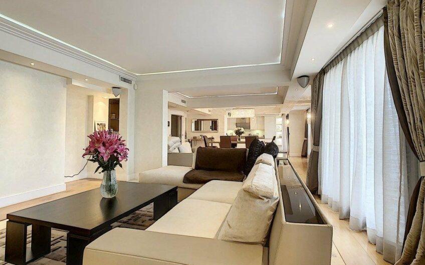 Appartement d'architecte au dernier étage – Cannes Banane