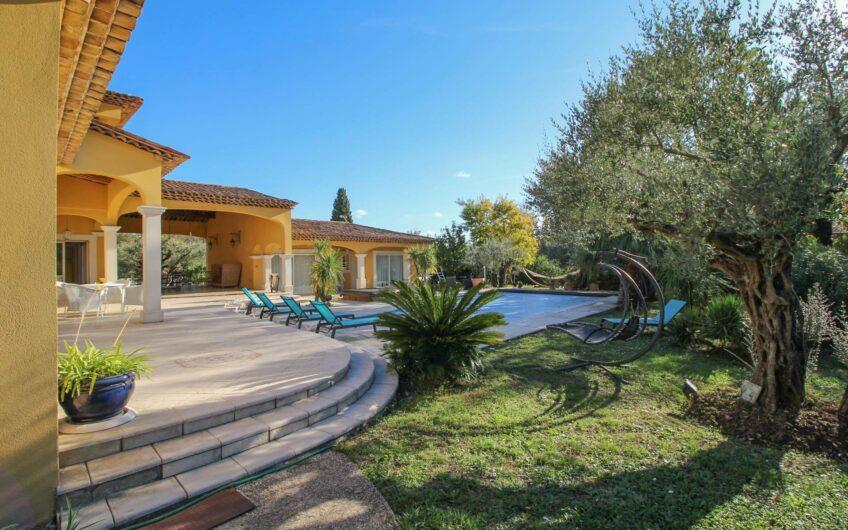 Provencalsk villa med pool – Tourrettes