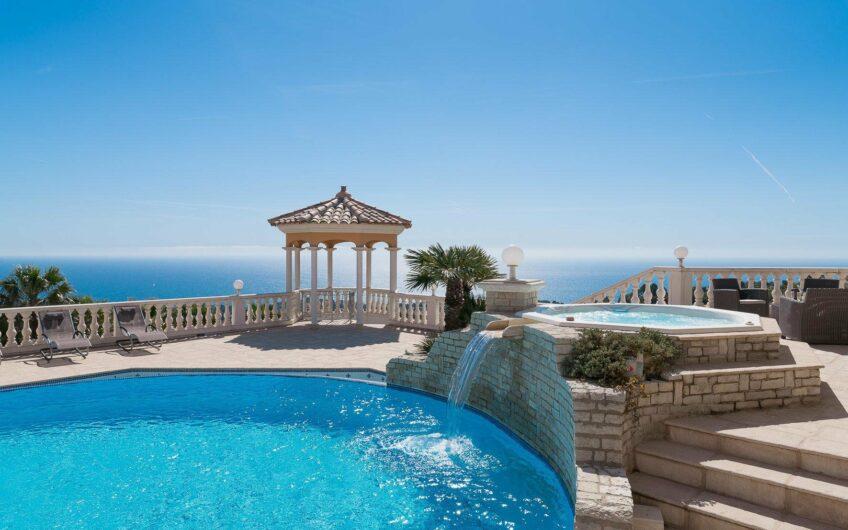 Propriété d'exception avec vue panoramique mer et montagne – Les Issambres