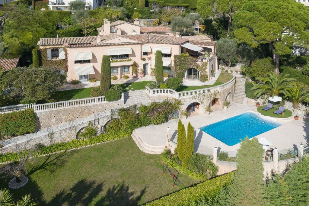 large holiday villa with pool for sale in mougins near cannes