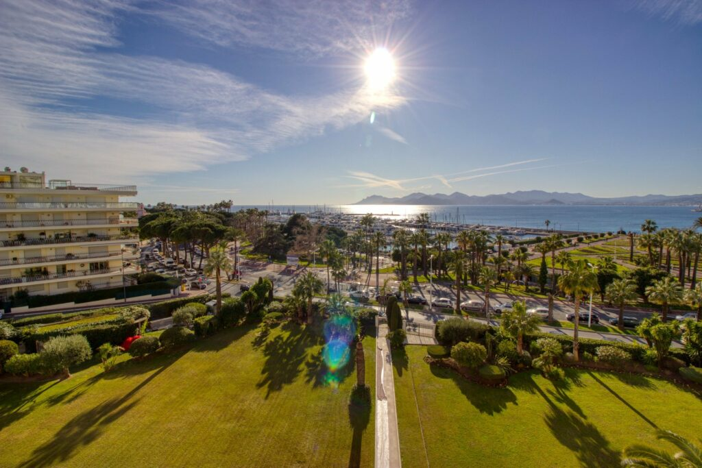 apartment in cannes for sale with view