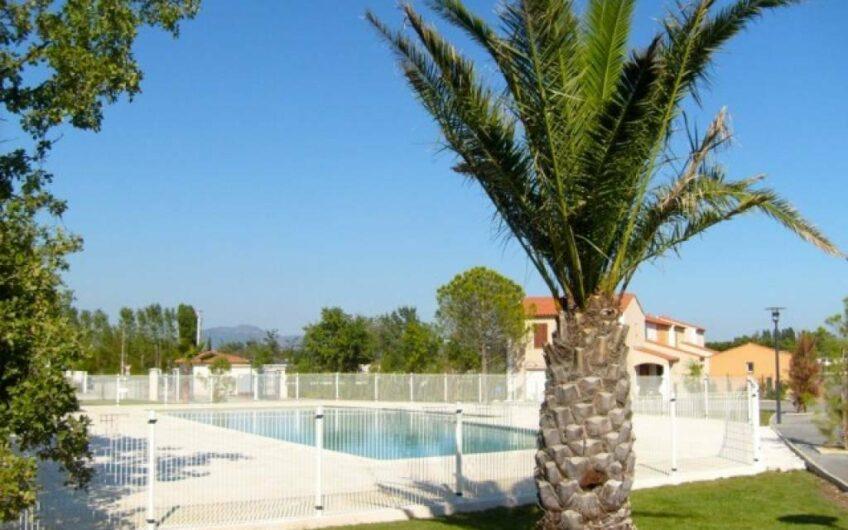Roquebrune-sur-Argens – Villa, 6 pieces avec  jardin + Jacuzzi dans domaine luxueuse
