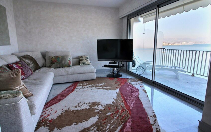 Appartement 3 pièces- Antibes Salis