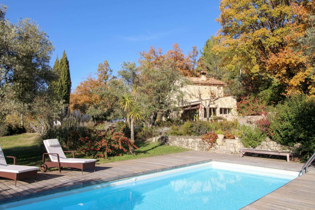 holiday home with pool in south france provence