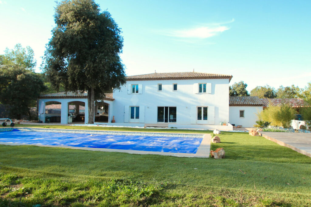 holiday home for sale with pool in south of france