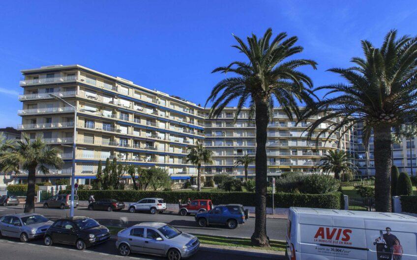 Lumineux appartement avec vue sur Port Canto – Cannes