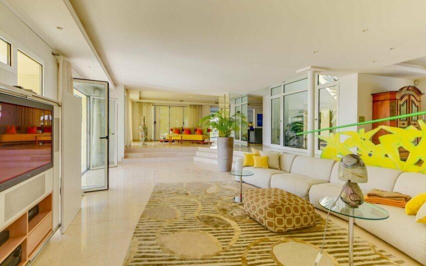 Villa au calme absolu et vue exceptionnelle – Vence