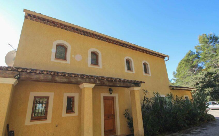 Villa med 4 soverom – Callas