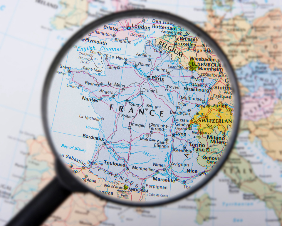 France under the magnifier. Inspiration to moving to France