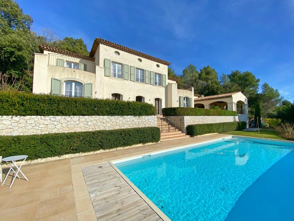 villa with pool for sale in nice