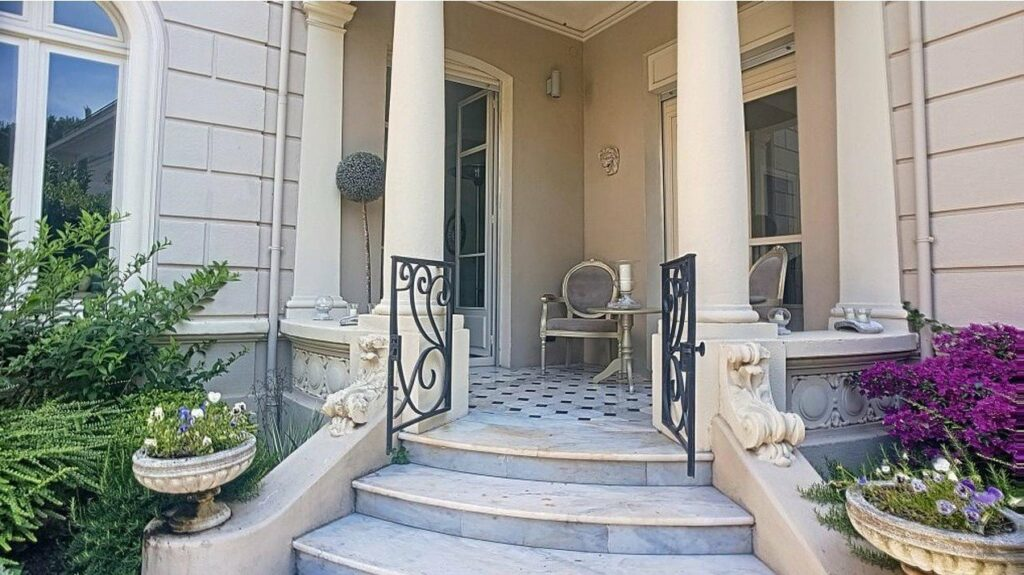 open entrance of apartment in cannes
