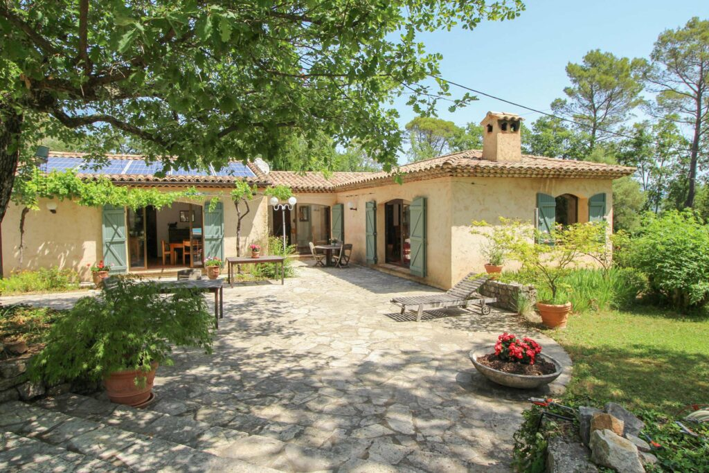 provencal style villa in south france with large garden and pool