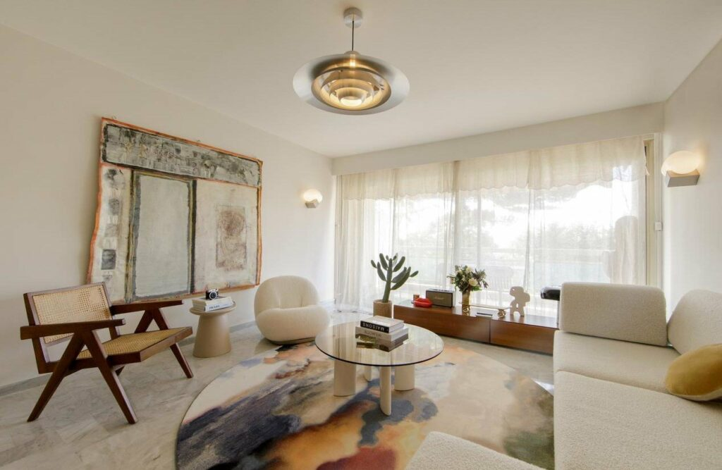 bright renovated apartment in nice cimiez