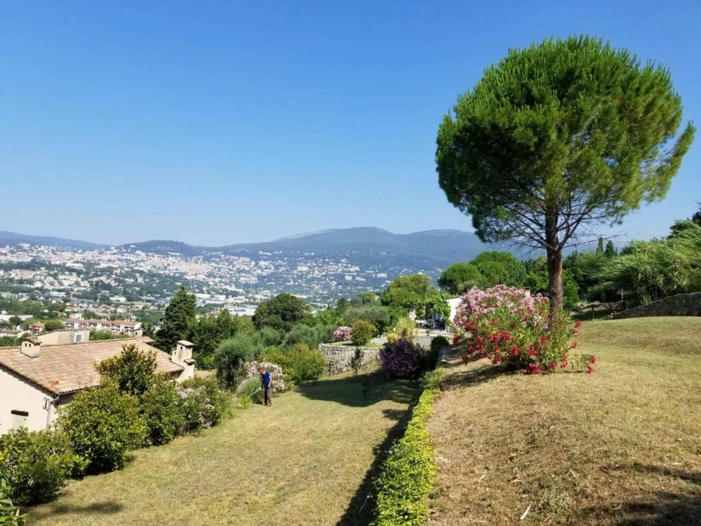 backyard of villa with view of the mountains south france