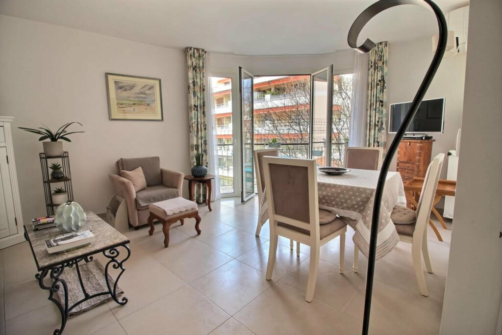 apartment in central antibes south of france for sale