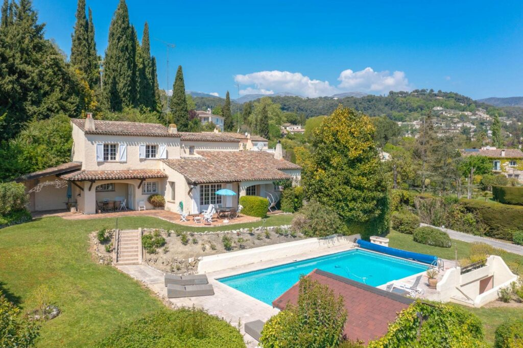 property in south france with pool and garden