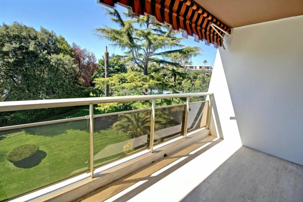 modern apartment for sale in cannes with pool