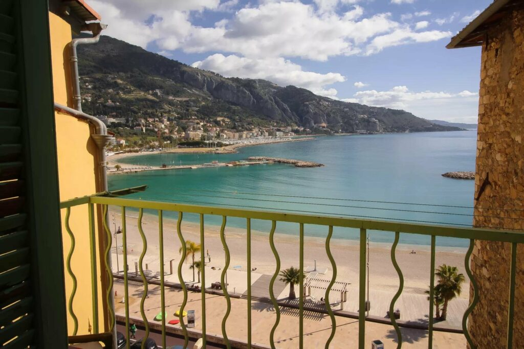 sea view apartment for sale in menton