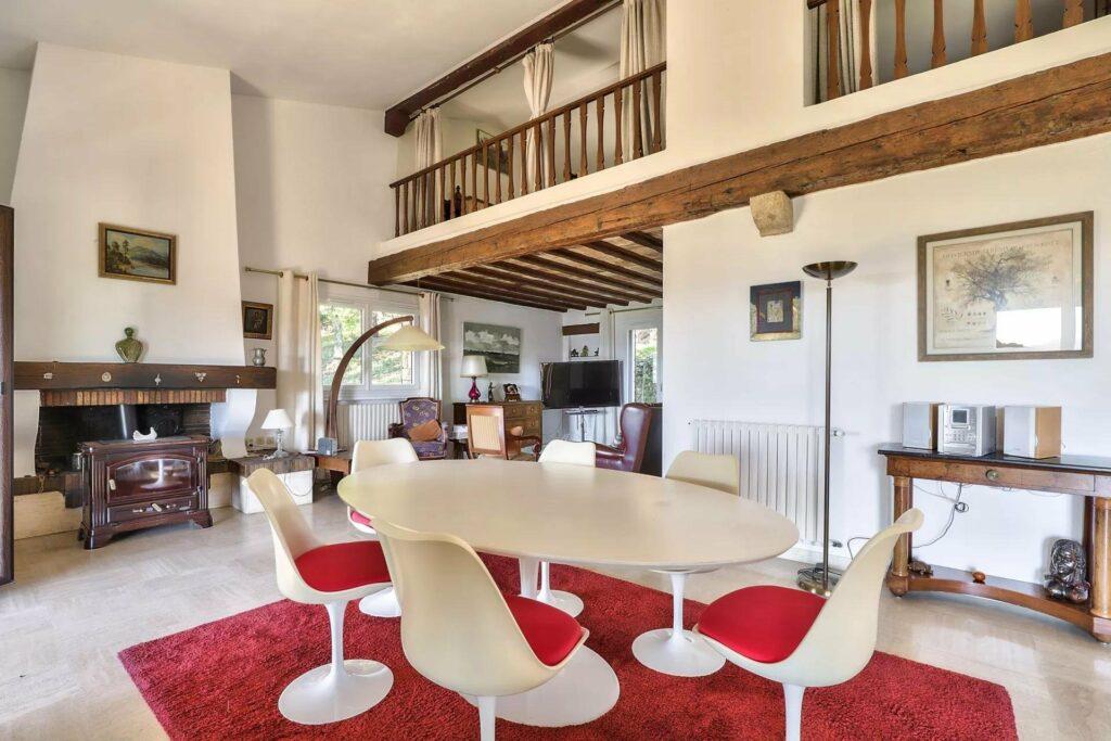 retro style interior of villa in montauroux