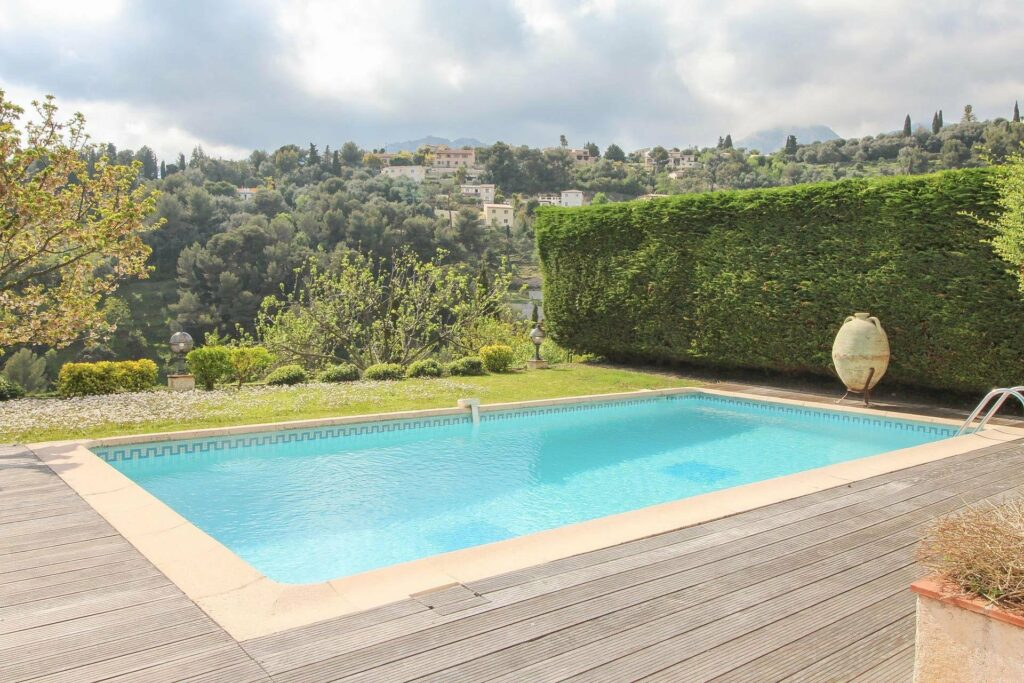 pool at property in south of france