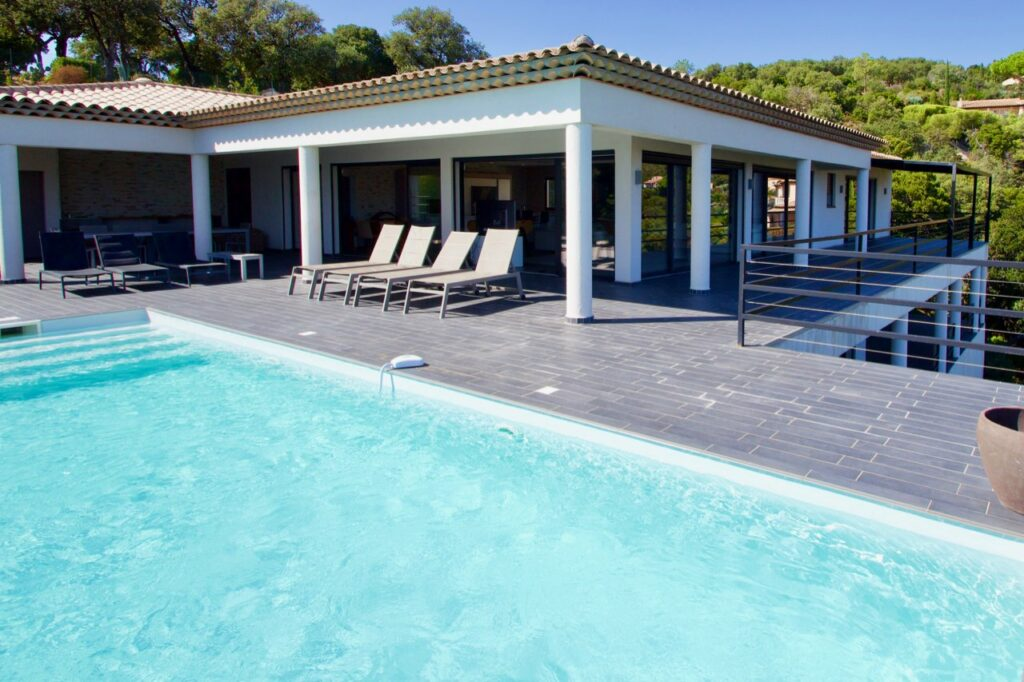 private villa in the south of france with pool and coastal view