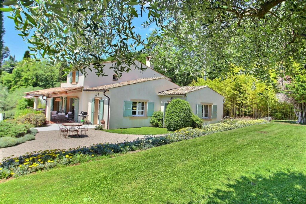 large property in south of france with garden and pool