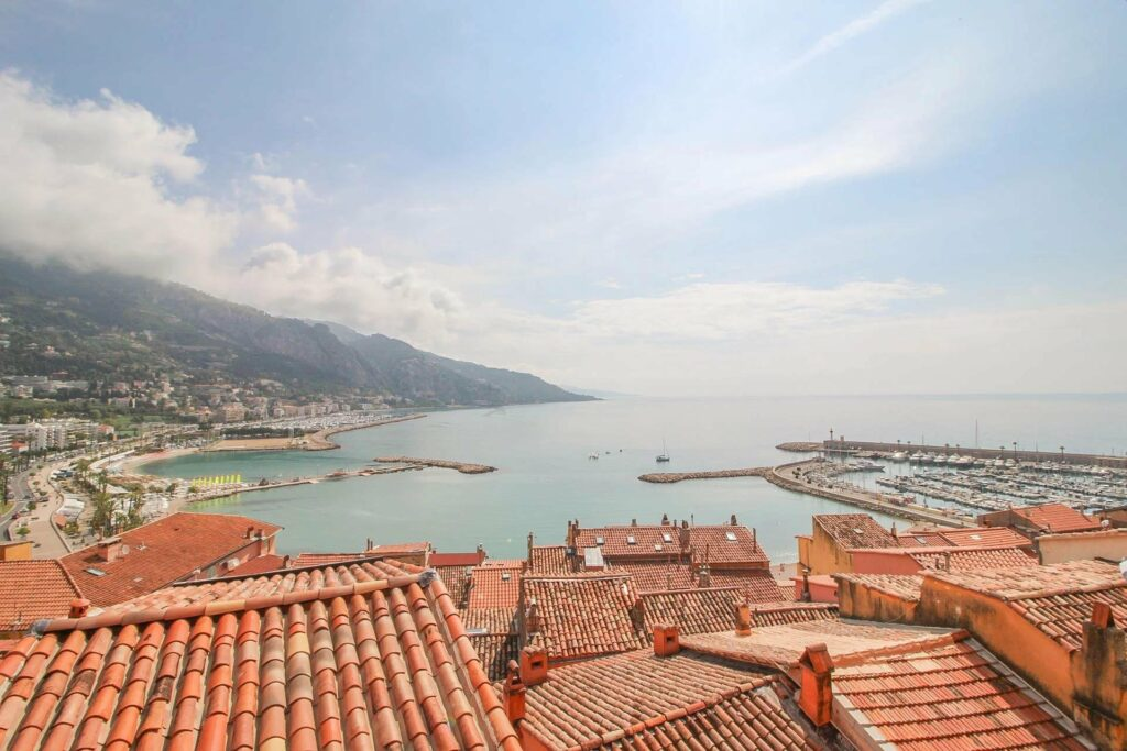 apartment in menton with sea view of entire harbour