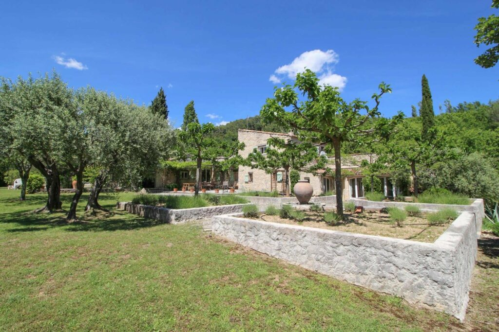 provencal villa in south france with large garden and private pool