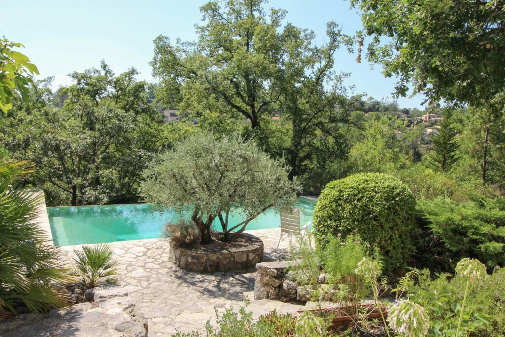 pool of Charming 4 bedroom house for sale St Paul en Forêt