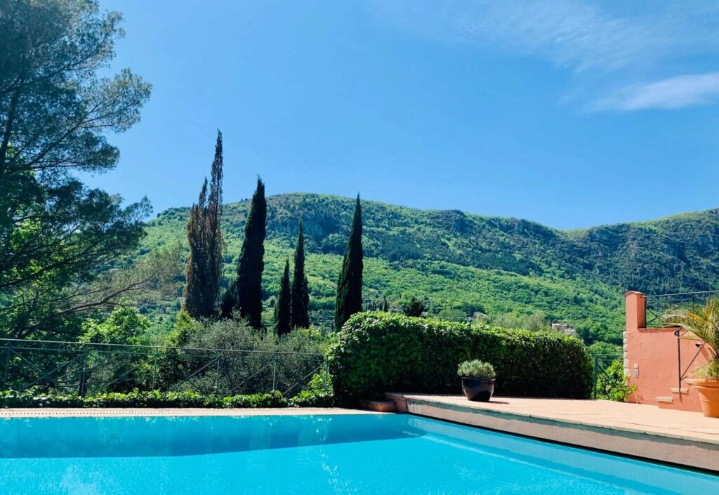 backyard of Tourettes-sur-Loup villa with pool with view of esterel mountains
