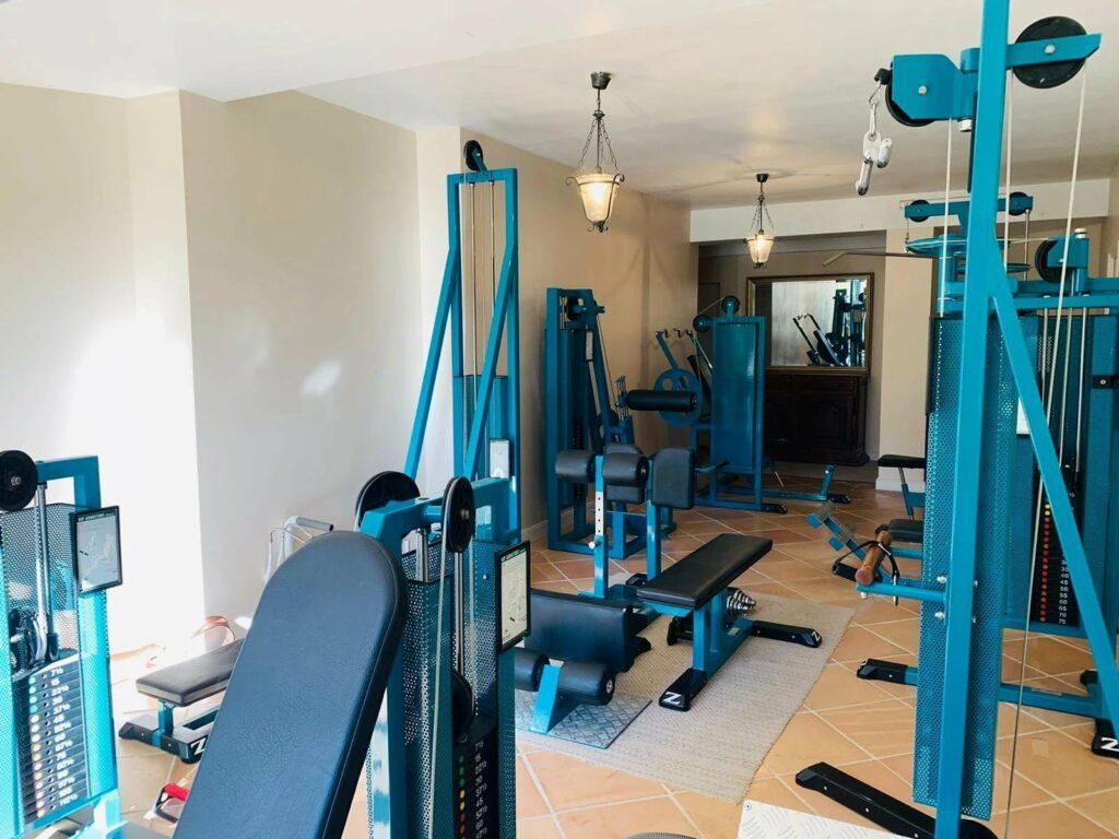 interior gym of villa in Tourettes-sur-Loup for sale