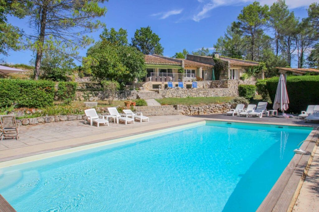 Charming property with pool and tennis Saint Paul-en-forêt