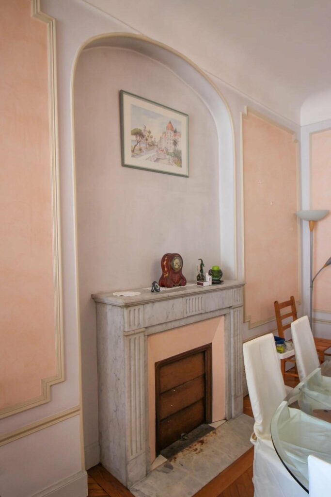 tapartment living room in nice promenade des anglais with pink toned walls
