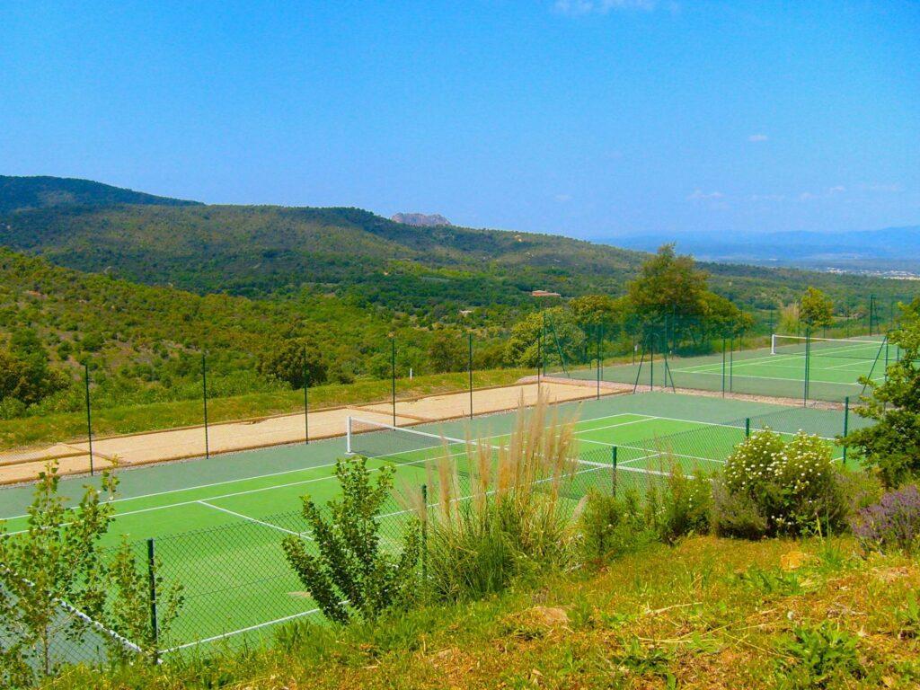 tennis court of apartment complex