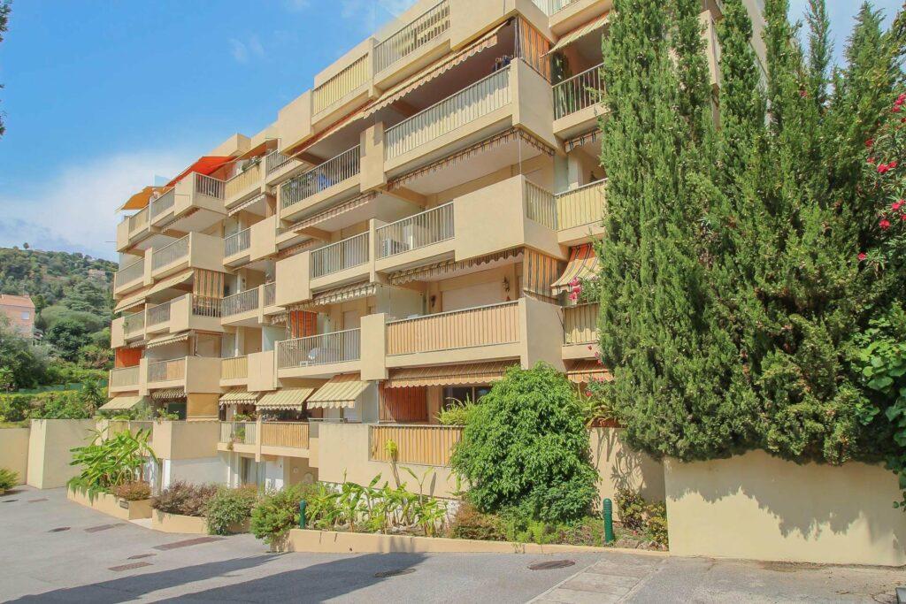 apartment building in menton