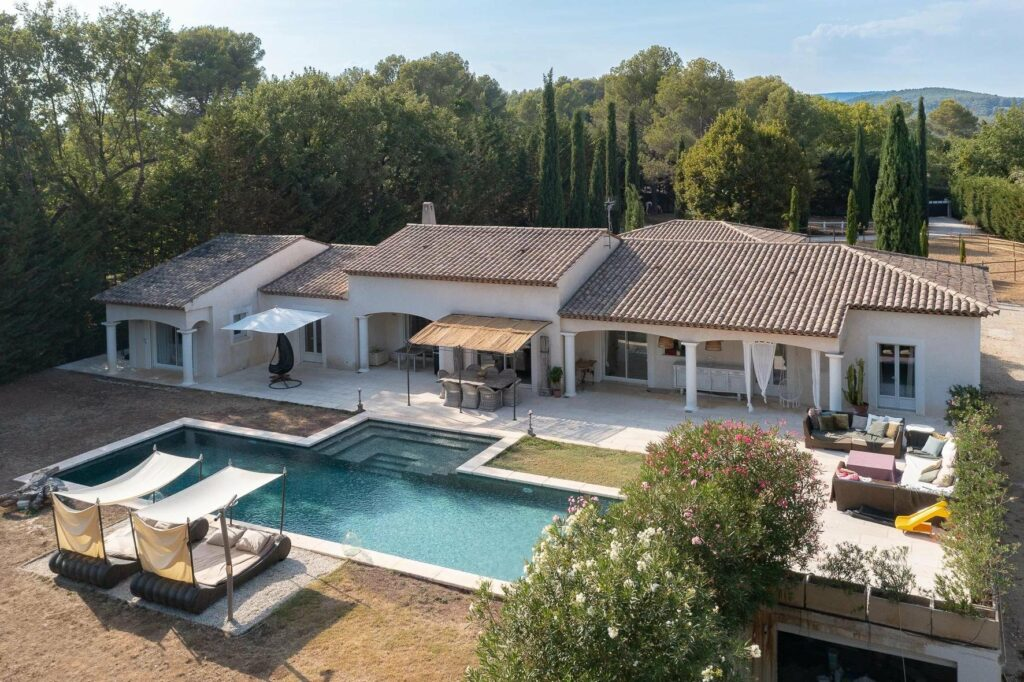 large villa in south france with pool and garden