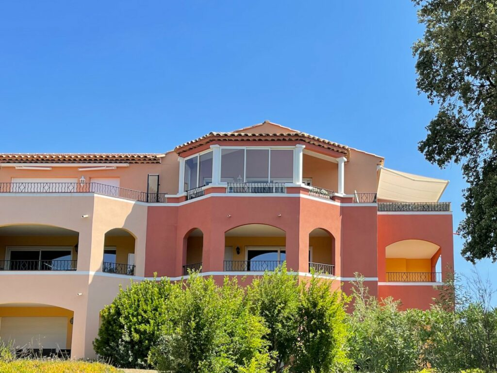 Penthouse with sea and mountain views in roquebrune sur argens